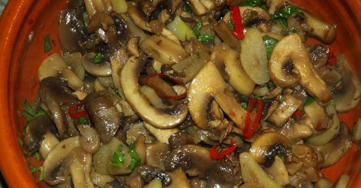 Mamaliga cu ciuperci prajite