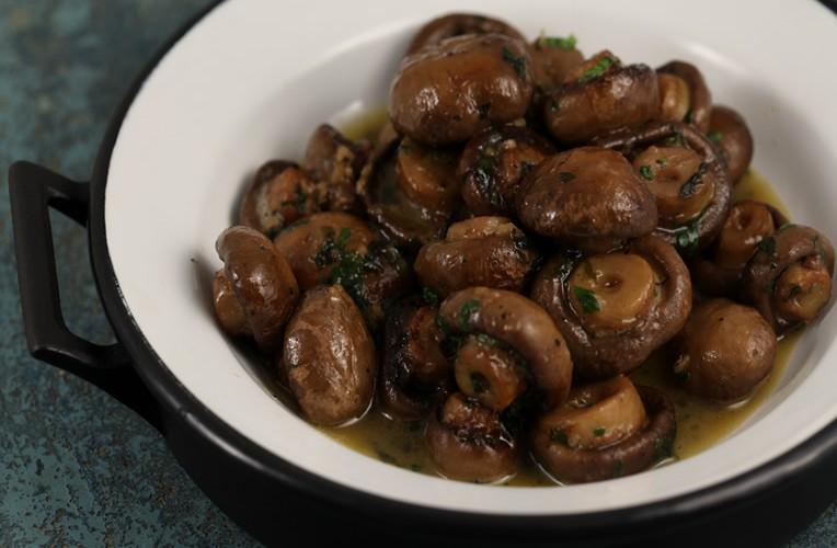 Tocanita de ciuperci brune – Baby Chef – Pui de urs