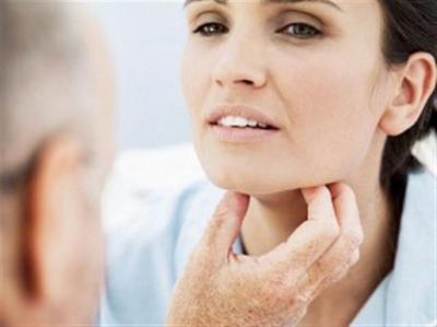 cancer laringian speranta de viata dacă condilomul sa micșorat de la sine