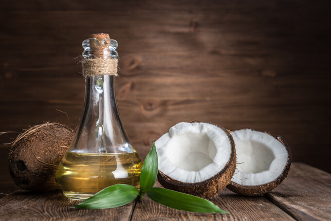Uleiul de cocos. 50 beneficii, utilizari si motive sa il folosesti