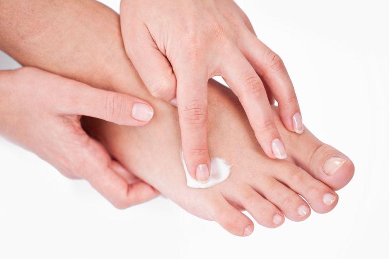 roseata intre tratamentul degetelor de la picioare
