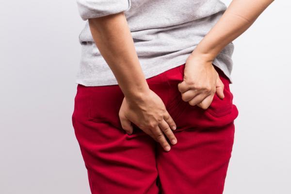 cancer colon y hemorroides papilom mâncărime pe gât